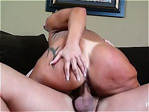 Monica banged up her enormous rump