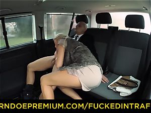 pulverized IN TRAFFIC - huge-titted blonde banged by taxi cabbie
