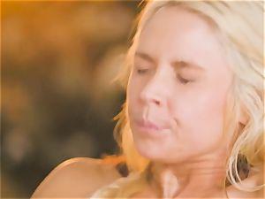 milf Sarah Vandella tempts sizzling babe Jojo smooch