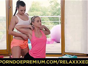 RELAXXXED lezzy Amirah Adara humped on yoga class
