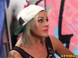 femdom street artist Lissa love gives blowage