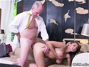 first-timer woman stroking Ivy makes an impression with her humungous mammories and bootie