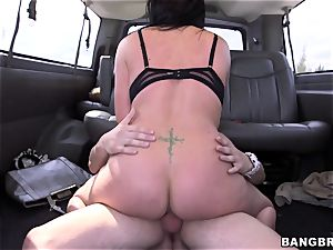 Isabella Madison penetrates a stranger on a bus