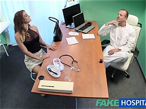 FakeHospital doc tears up minx in job interview
