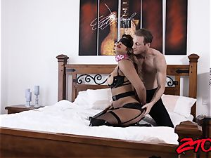 slave cougar Mercedes Carrera plunged with large penis