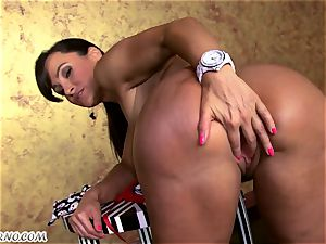 The best milf pornography star with meaty mammories and bubble donk