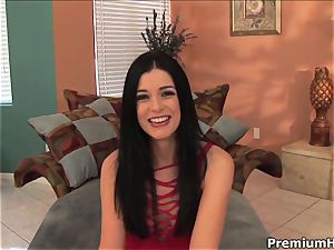 hotty India Summers juggles her beaver on a rock-hard man rod