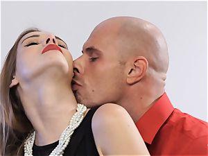PINUP sex - luxurious Czech honey Alexis Crystal in molten penetrate