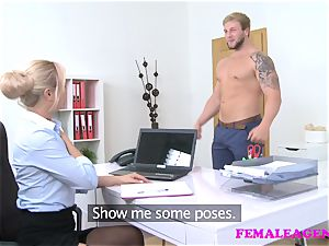 FemaleAgent Bodybuilder pummels splendid light-haired agent