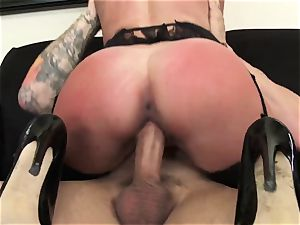 Office beauty Dava Foxx Blows Her manager to Keep Her Job