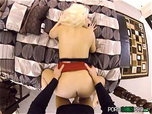 naughty blond honey Britney Amber banged in her jiggly honeypot pie pudding