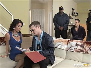Criminals wifey Jessica Jaymes boinked by a red-hot cop