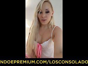 LOS CONSOLADORES - Lola Taylor gets smashed in three way