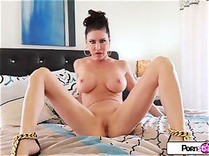 Jessica Jaymes massage her moist pinkish vulva for you