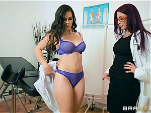 Monique Alexander and Nekane minge munch at the clinic