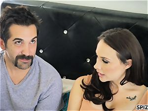 Spizoo - watch Chanel Preston blowing and romping
