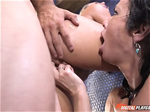 Veronica Avluv gets involved with her stepdaughters mischievous hookup idea